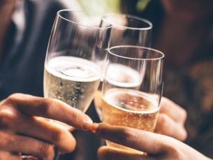 Por que mesmo o consumo moderado de álcool aumenta o risco de câncer