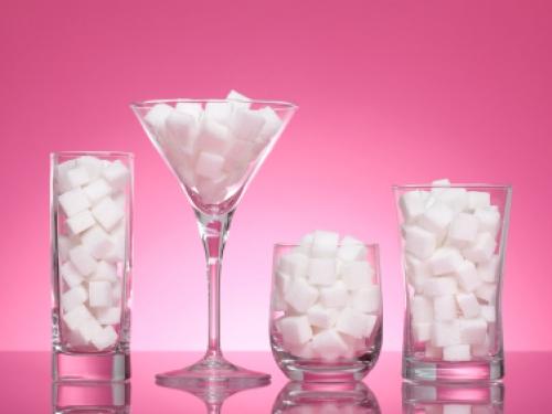 Estudo indica relação entre consumo de bebidas açucaradas e câncer