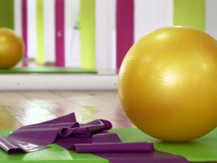 4 exercícios com a bola de pilates para oncologia